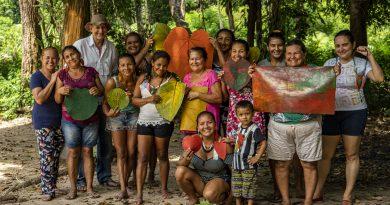 Artesãs do Poloprobio, que atuam com látex artesanal na Amazônia paraense - divulgação