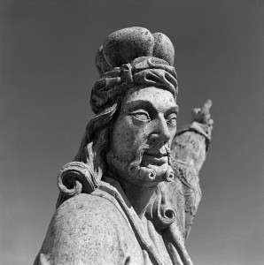 Profeta Habacuc-escultura do Aleijadinho-Santuário do Bom Jesus de Matosinhos-Congonhas-MG-1947-Marcel Gautherot-Acervo IMS
